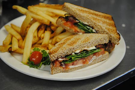 Bacon Spinach and Tomato Sandwich
